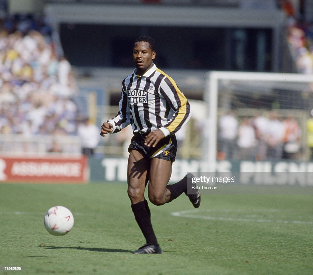 Sport. Football. pic: 27th May 1990. Division 3 Play Off Final at Wembley. Tranmere Rovers 0 v Notts County 2. Notts County's Charlie Palmer on the ball. : News Photo