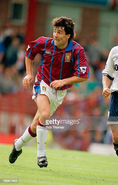 28th August 1993 Premiership Division 1 Aston Villa v Tottenham Hotspur Dean Saunders Aston Villa 19921995 Dean Saunders also won 75 Wales...