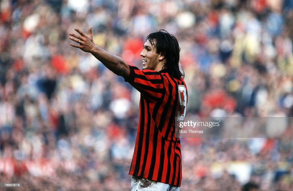 Sport. Football. pic: 28th October1984. Italian League Serie A. AC.Milan 2 v Inter Milan 1. AC.Milan's Mark Hateley appeals. : News Photo