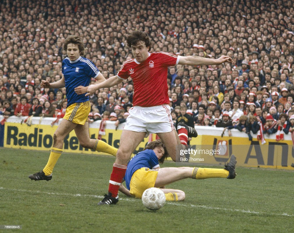 BT Sport. Football. pic: 29th April 1978. Division 1. Nottingham Forest's John Robertson beats two Birmongham City defenders. John Robertson, Nottingham Forest 1970-1983, 1985-1986, who also won 28 Scotland international caps between 1978-1984. : ニュース写真