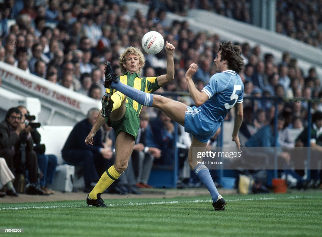 BT Sport, Football, pic: 29th August 1981, Division 1, Manchester City 2 v West Bromwich Albion 1, West Bromwich Albion's David Mills contests a high ball with Manchester City's Paul Power : News Photo