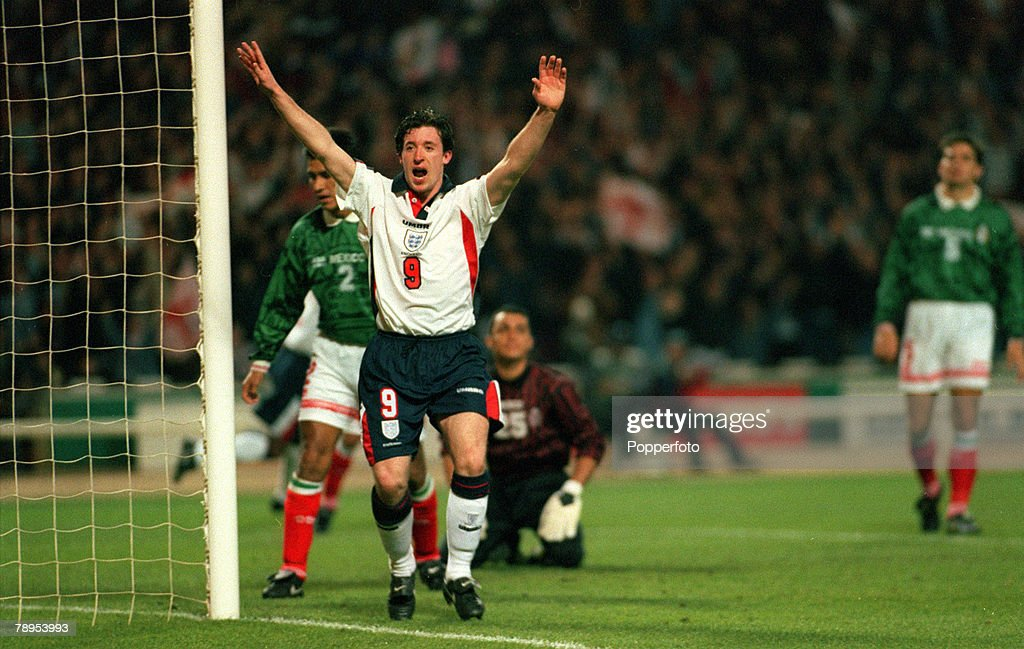 Sport. Football. pic: 29th March 1997. International Match at Wembley. England 2. v Mexic 0. Robbie Fowler celebrates as he scores England's 2nd goal.