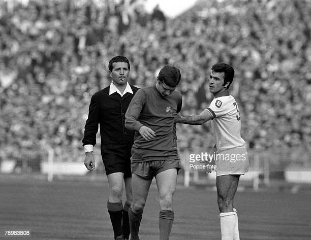 29th May 1968 European Cup Final at Wembley Manchester United 4v Benfica 1 aet Manchester United's Brian Kidd walks away from Benfica's Humberto who...