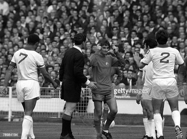 29th May 1968 European Cup Final at Wembley Manchester United 4v Benfica 1 aet Manchester United's George Best points to his head after a cynical...