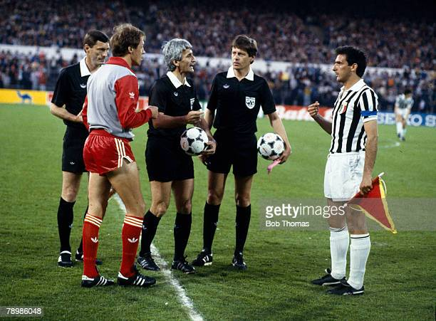 29th May 1985 European Cup Final in Brussels Liverpool 0 v Juventus 1 Liverpool captain Phil Neal left with the Juventus captain Gaetano Scirea and...
