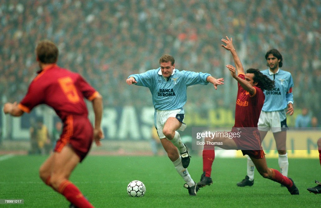 Sport. Football. pic: 29th November 1992. Italian League Serie A. Lazio 1.v Roma 1. Lazio's Paul Gascoigne, takes on the Roma defence in the Rome derby. Paul Gascoigne played for the England team 1989-1998 and won 57 full international caps. : News Photo