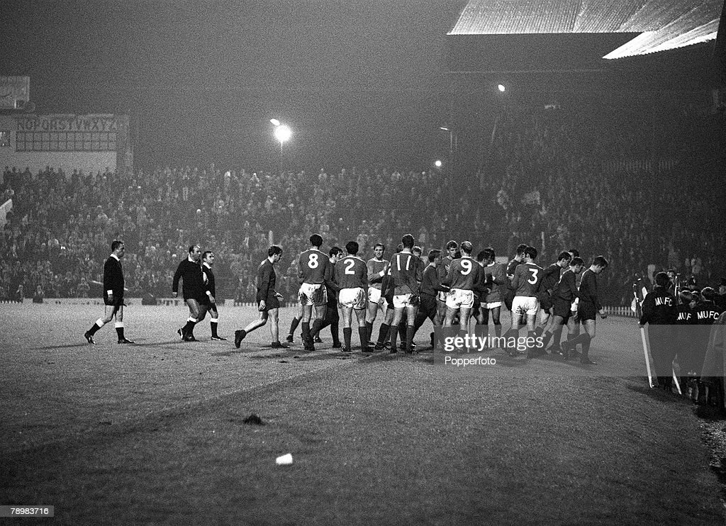 Sport. Football. pic: 2nd October 1968. European Cup 1st Round 2nd Leg. Manchester United 7 v Waterford 1. Manchester United players line up to applaud the Waterford players from the pitch after their 7-1 defeat. : News Photo