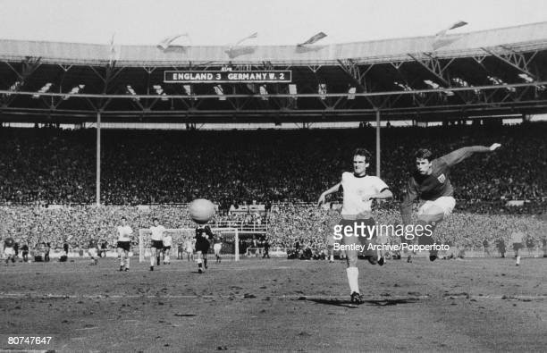 Sport Football pic 30th July 1966 1966 World Cup Final at Wembley England 4 v West Germany 2 aet England's Geoff Hurst scores 4th goal as West...