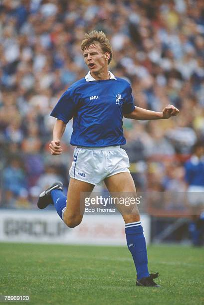 30th September 1989 Division 1 Teddy Sheringham Millwall striker 19831984 and 19851991 Teddy Sheringham went on to win 51 England international caps...