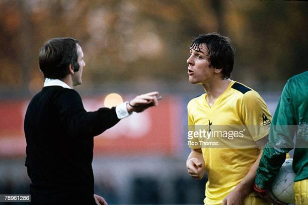 31st October 1981, Division 1, Southampton 1 v Tottenham Hotspur 2, Tottenham Hotspur defender Graham Roberts is warned by referee Allan Gunn, Graham...