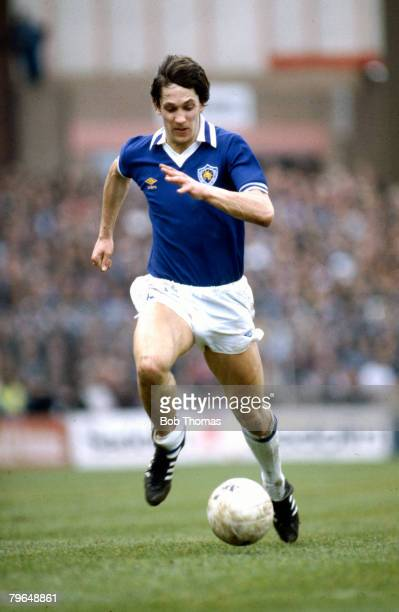 3rd April 1982 FA Cup SemiFinal at Villa Park Tottenham Hotspur 2 v Leicester City 0 Gary LinekerLeicester City Gary Lineker won 80 England...