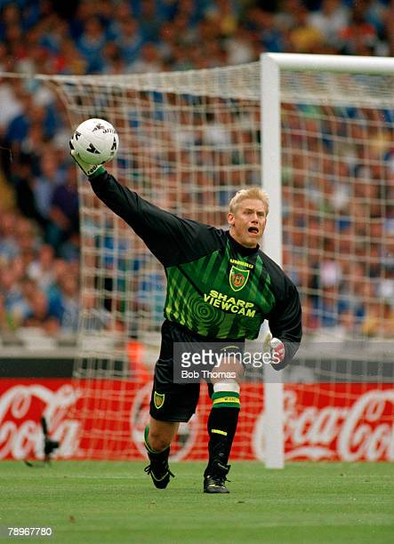 3rd August 1997 FA Charity Shield at Wembley Manchester United beat Chelsea 42 on penalties Peter Schmeichel Manchester United goalkeeper Peter...