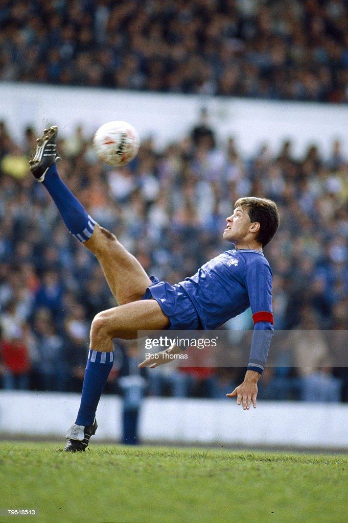 3rd May 1986, Division 1, Joe McLaughlin, Chelsea defender 19834 ...