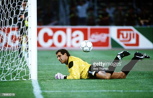 4th July 1990 World Cup Finals Turin West Germany vs England West Germany win 43 on Penalties Peter Shilton England