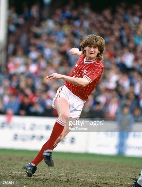 5th May 1986 Division 1 Peter Coyne Swindon Town striker