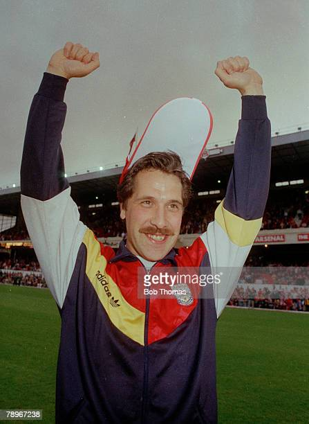 6th May 1991 Division 1 Arsenal 3 v Manchester United 1 Arsenal goalkeeper David Seaman celebrates the Championship success David Seaman while at...