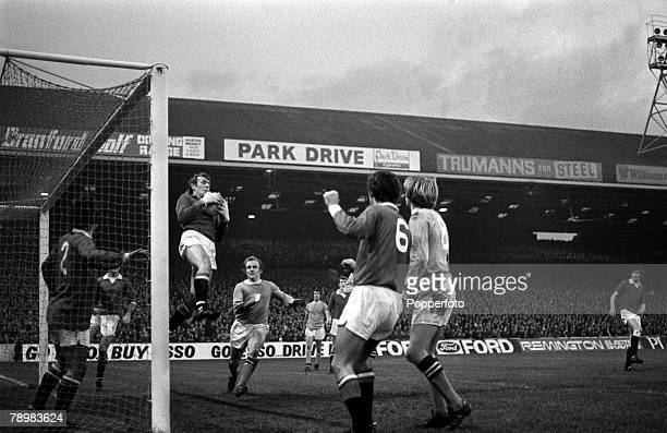 6th November 1971 Division 1 Manchester City v Manchester United at Maine Road Manchester Cityv Manchester United Manchester United goalkeeper Alex...