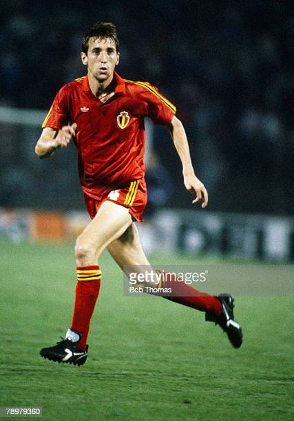 6th September 1989 World Cup Qualifier in Brussels Franky Van Der Elst a Belgian international won 86 international caps for Belgium playing in 4...