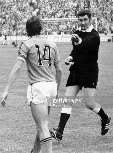 7th July 1974 1974 World Cup Final in Munich West Germany 2 v Holland 1 Holland's Johan Cruyff about to be cautioned as the players leave the field...