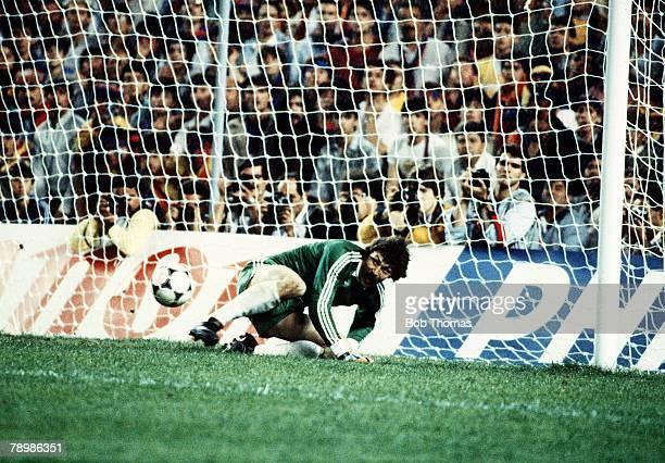 7th May 1986 European Cup Final Seville Barcelona 0 v Steaua Bucharest 0 aet Steaua Bucharest win 20 on penalties Steaua Bucharest goalkeeper Helmut...