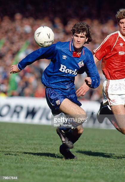 8th April 1990 FA Cup SemiFinal at Maine Road Manchester Manchester United 3 v Oldham Athletic 3 aet Ian Marshall Oldham Athletic