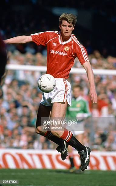 8th April 1990 FA Cup SemiFinal Manchester United 3 v Oldham Athletic 3 aet Gary Pallister Manchester United central defender 19891997 who won 22...