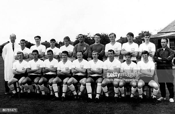 8th August 1966 The 19661967 Fulham squad Back rowlr Mardling Pearson Bobby Robson Conway Stapleton Macedo McClelland Dempsey Drake Clarke Stevens...