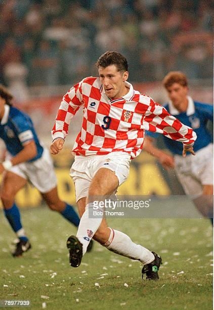 8th October 1995 European Championship Qualifier Croatia 1 v Italy 1 Davor Suker Croatia striker