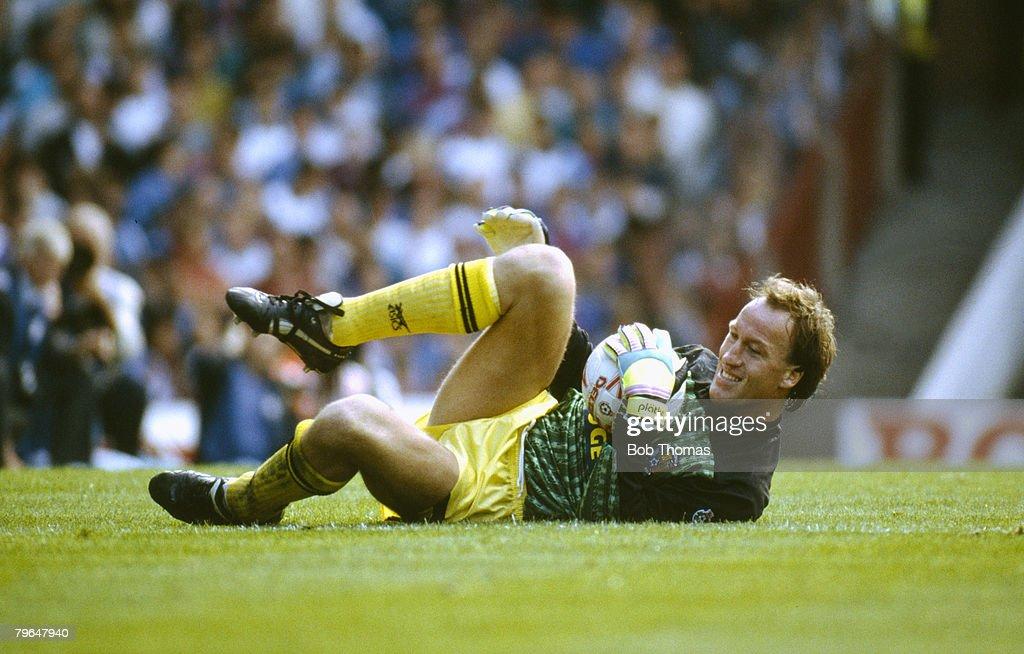 BT Sport, Football, pic: 8th September 1990, Division 1,Steve Ogrizovic, Coventry City goalkeeper, 1984-1997 : News Photo