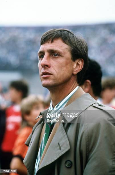 9th August 1987 Amsterdam Tournament Ajax Amsterdam 1 v FCPorto 1 Johan Cruyff Ajax Amsterdam Coach Johan Cruyff one of the greatest players of all...