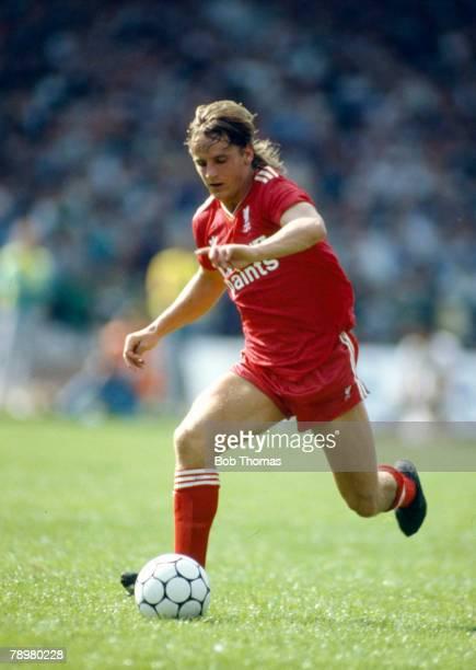 9th August 1987 PreSeason Friendly Celtic 0 v Liverpool 1 Paul Walsh Liverpool striker 19841988 Paul Walsh also won 5 England international caps...