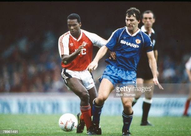 9th October 1988, Mercantile Credit Leahue Centenary Trophy Final at Villa Park, Arsenal 2 v Manchester United 1, Arsenal's David Rocastle and...