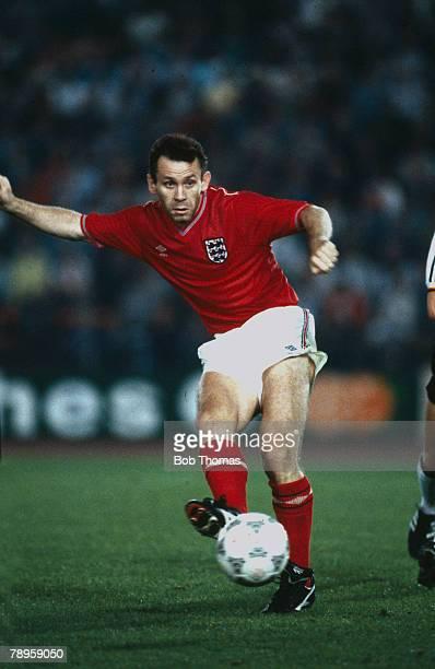 9th September 1987 Friendly International in Dusseldorf West Germany 3 v England 1 Peter Reid England Peter Reid won 13 England international caps...