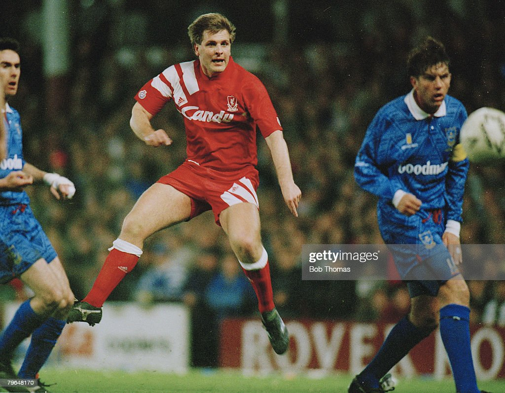 BT Sport, Football, pic: April 1992, FA, Cup Semi Final Replay, Liverpool 0 v Portsmouth 0, a,e,t, Liverpool's Jan Molby fires in a shot, Jan Molby a Danish international played for Liverpool from 1984-1994 : News Photo