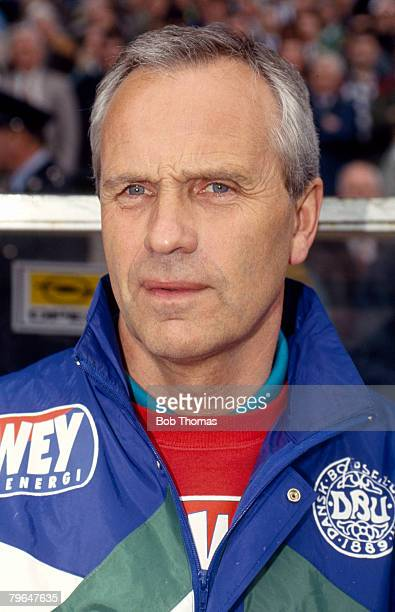 April 1993 World Cup Qualifier in Dublin Republic of Ireland 1 v Denmark 1 Richard MollerNielsen Denmark Coach