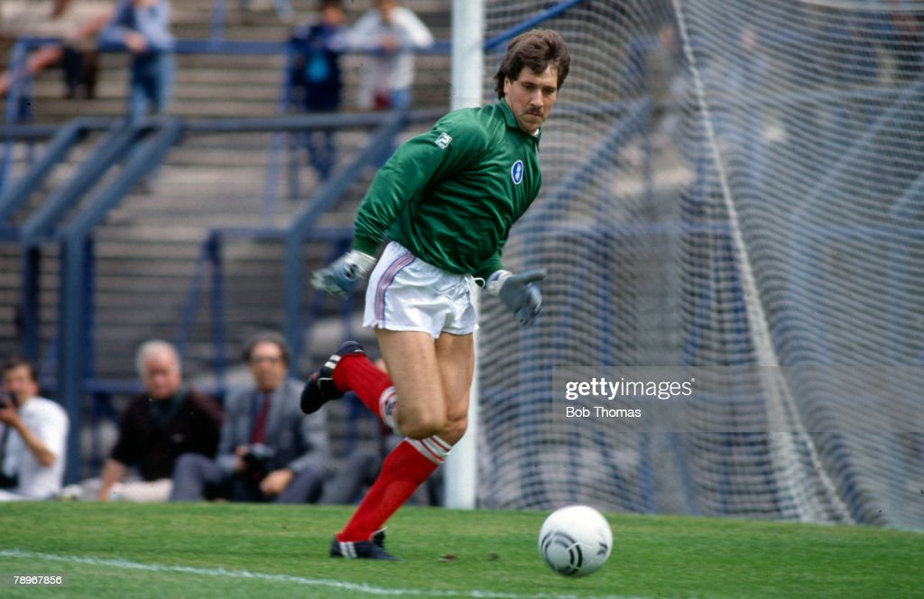 Sport. Football. pic: August 1985. David Seaman, Birmingham City goalkeeper. David Seaman won 75 England international caps for England 1990-2003, and while at Arsenal 3 League Championships and 4 FA. Cups. : News Photo