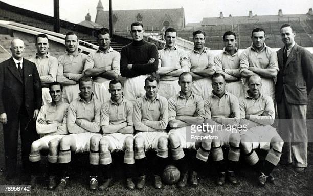 circa 1935 Manchester City Back row lr TChorlton TrainerW Dale MBusby SCowan FSwift RDonnelly JBray JPercival SBarkas HBarnett Trainer Front row lr...