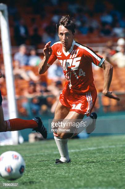 circa 1979 Johan Cruyff Washinghton Diplomats 19781979 Johan Cruyff one of the greatest players of all time won 48 international caps for Holland