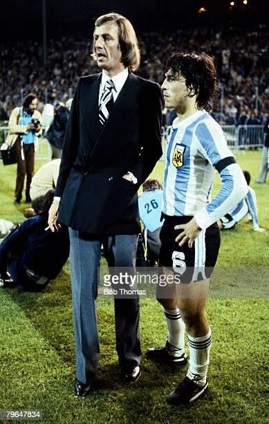 circa 1980 Argentina Coach Cesar Luis Menotti with the Argentina captain Daniel Passarella