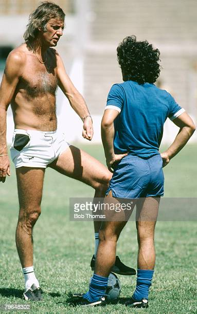 circa 1980 Argentina Training Cesar Luis Menotti Argentina Coach who led Argentina to victory in the 1978 World Cup talking with rising young star...