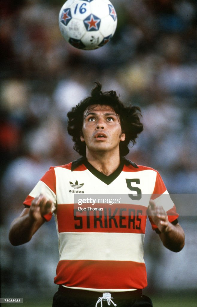 Sport. Football. pic: circa 1981. Elias Figueroa, Fort Lauderdale and Chile. : News Photo