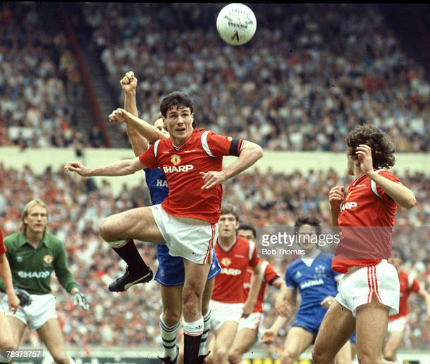 circa 1984 Division 1 Manchester United striker Frank Stapleton wins a high ball Frank Stapleton played for Manchester United 19811987 and won 71...