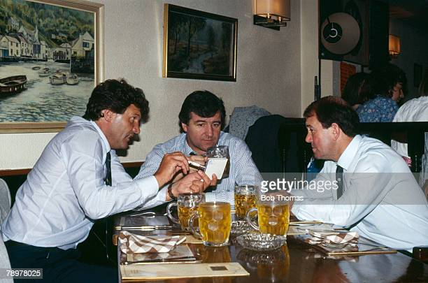 Circa 1987, British Managers working in Spain with Spanish clubs left-right, John Toshack,Terry Venables and Howard Kendall