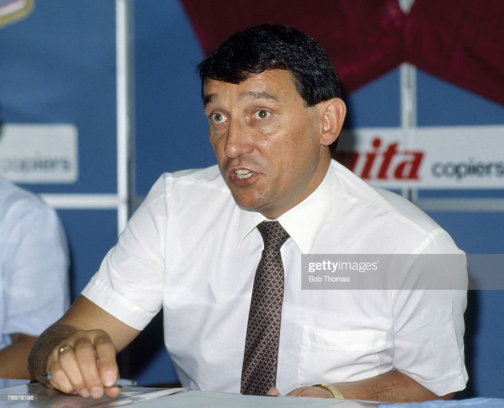 Sport. Football. pic: circa 1987. Graham Taylor, Aston Villa Manager 1987-1990. Graham Taylor went on to become England Manager 1990-1993. : News Photo
