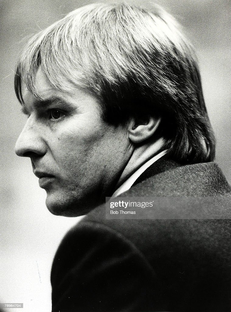 Sport. Football. pic: circa 1988. Dave Bassett, Watford Manager. : News Photo
