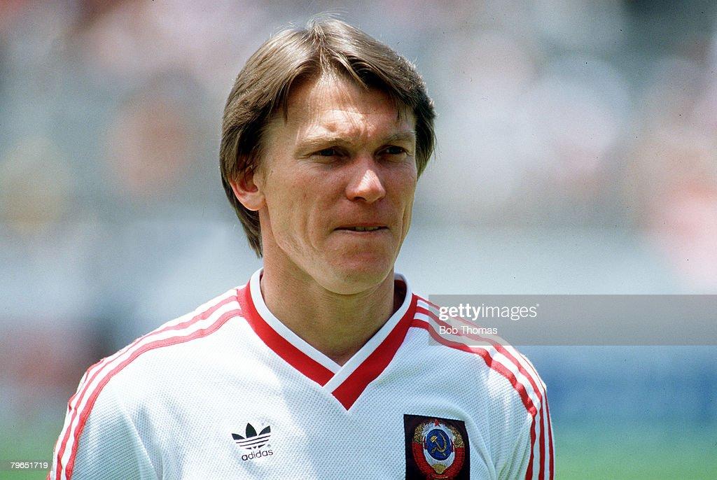 Sport, Football, pic: circa1986, Oleg Blokhin, Russia, portrait : News Photo