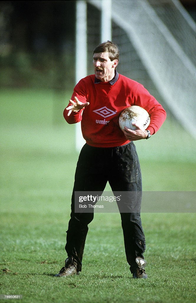 Sport. Football. pic: February 1988. Watford training session. Watford Manager Steve Harrison makes his point. : News Photo