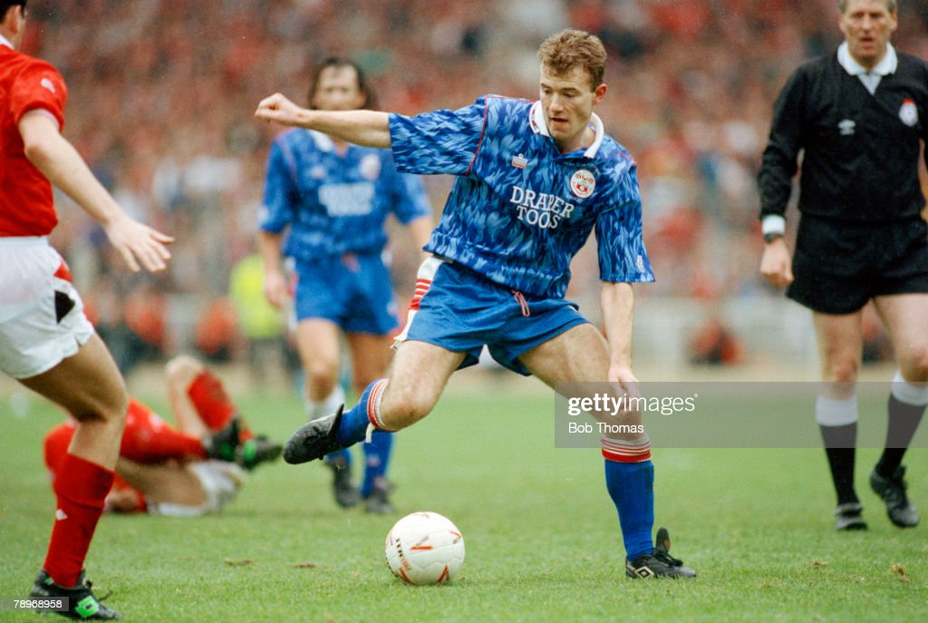 Sport. Football. pic: March 1992. Zenith Data Systems Cup Final at Wembley. Nottingham Forest 3 v Southampton 2 : News Photo