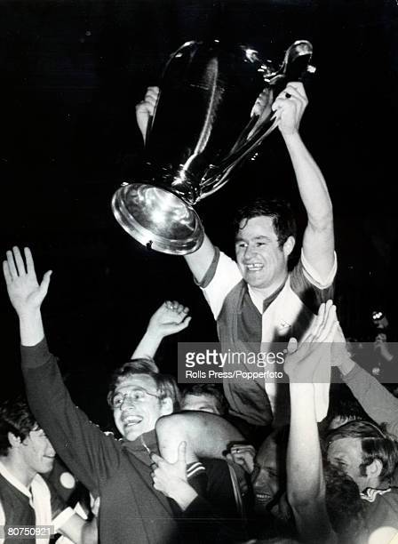 May 1970, European Cup Final in Milan, Feyenoord 2 v Celtic 1, Feyenoord players parade the European Cup as Rinus Israel is carried shoulder high