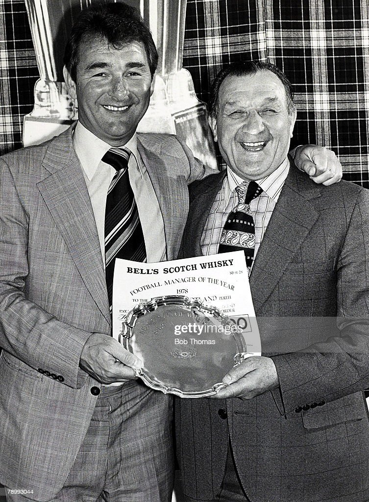 Sport. Football. pic: May 1978. Glasgow. Nottingham Forest Manager Brian Clough, left with Liverpool Manager Bob Paisley at the Manager of the Year luncheon. Clough won the Manager of the Year award, Paisley received a special award for Liverpool's succes : News Photo